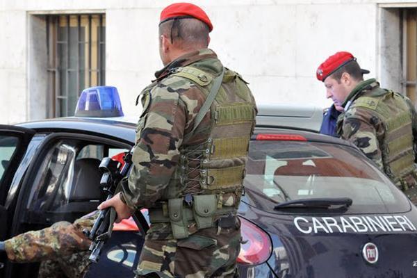 Operazione dei carabinieri. Undici arresti in provincia di Taranto e Brindisi : reati per furti, tentate estorsioni, spaccio di droga e armi