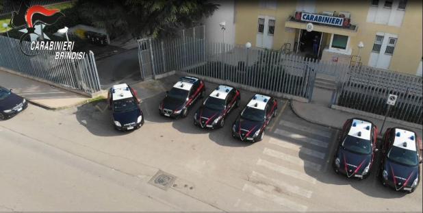 Arresti in provincia di Taranto e Brindisi i dettagli dell'operazione: 52 reati contestati, droga, furti, armi, estorsioni