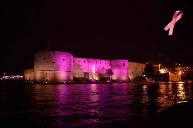 """Il Castello Aragonese s'illumina di rosa per promuovere la campagna nazionale """"Nastro Rosa"""" della LILT"""