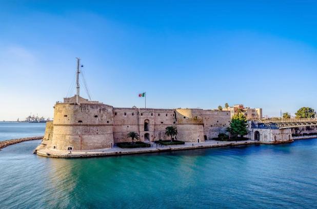 Taranto. Il 7 giugno il CASTELLO ARAGONESE e la mostra storica dell' arsenale di Taranto riapriranno alle visite al pubblico