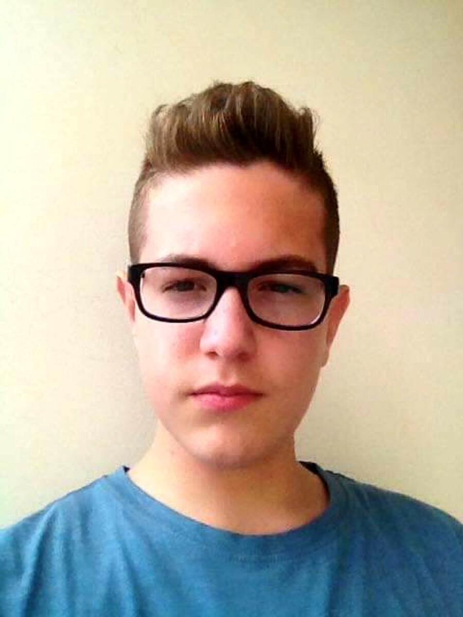 L'incidente in moto e poi una settimana di coma fatale: Alessandro muore a 18 anni