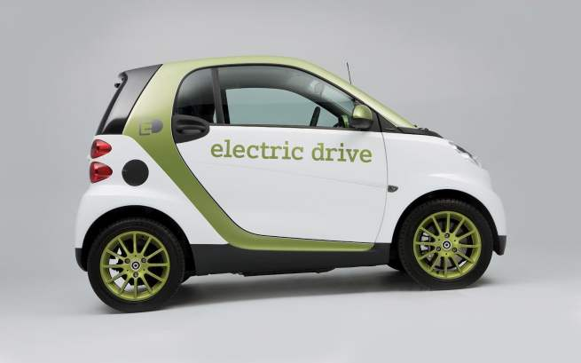 2010-Smart_ForTwo_Electric_Drive_15