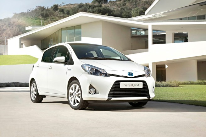 Toyota_Yaris_Hybrid