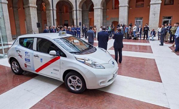 nissan leaf taxi madrid