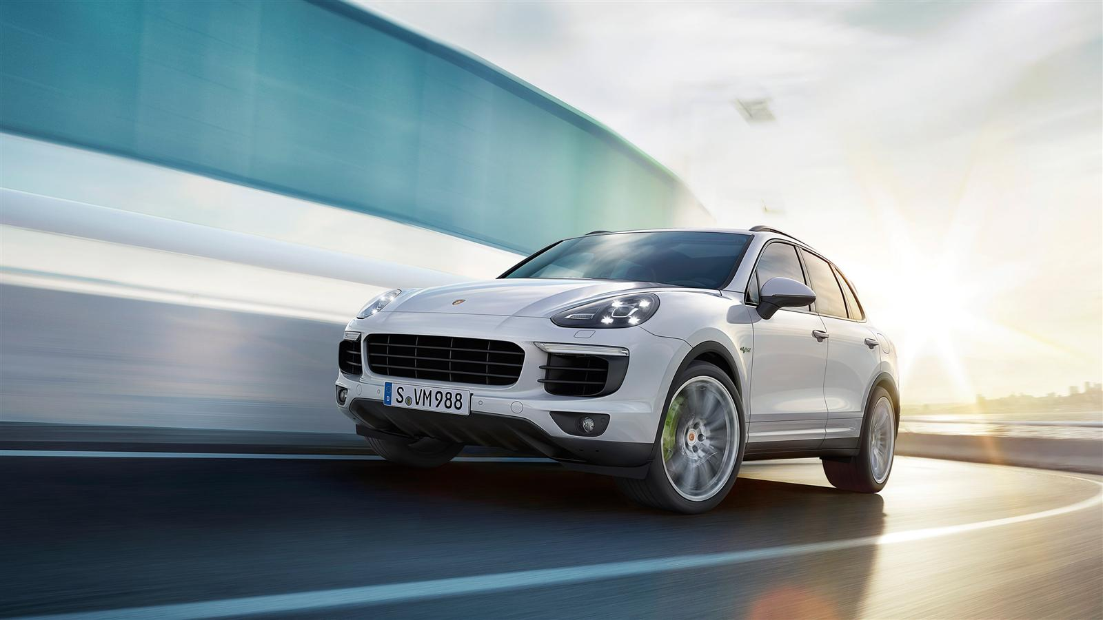 porsche cayenne s e hybrid voiture hybride essais prix. Black Bedroom Furniture Sets. Home Design Ideas