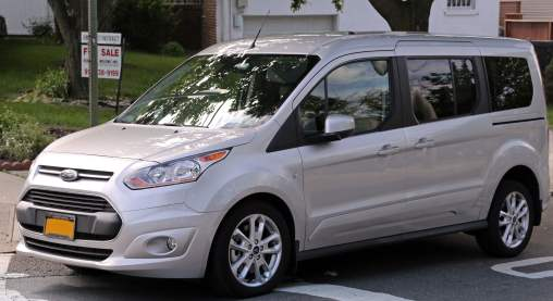 2014_Ford_Transit_Connect_Wagon_Titanium_LWB_front_left