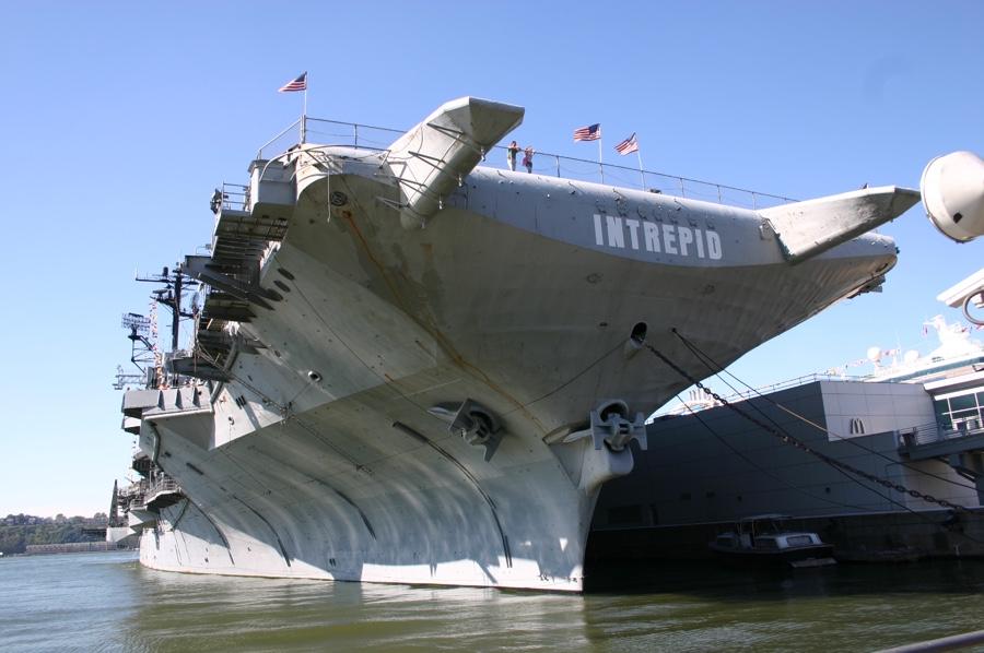 USS intrepid 01