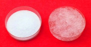 Cristaux de polyacrylate de sodium : Avant/Après