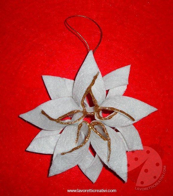 Ecco come fare delle originali e semplici decorazioni da appendere a forma di. Stella Di Natale Con Il Feltro Lavoretti Creativi