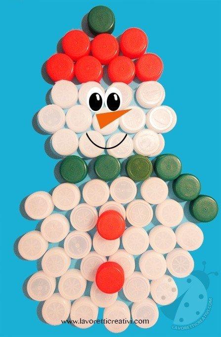 Pupazzo di neve con tappi di plastica - Decorazioni di natale con materiale riciclato ...