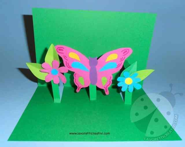 Biglietto pop up con fiori e farfalla 6