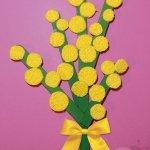 Lavoretti per bambini Mimosa con bastoncini del gelato