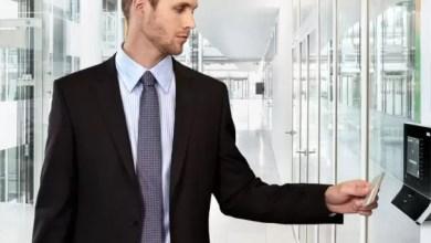Photo of Licenziabile chi timbra il cartellino al posto del collega assente