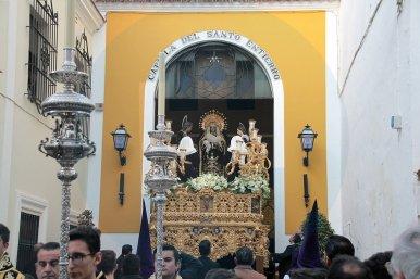 Virgen de la Soledad saliendo de la Capilla del Santo Entierro