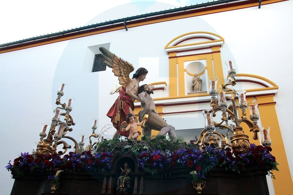 La Divina Misericordia antes Santa Clara