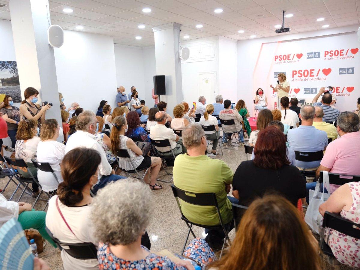 Susana Díaz en la sede del PSOE de Alcalá