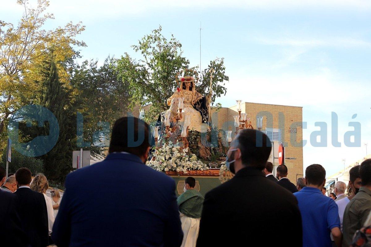 Paso de la Divina Pastora por Alcalá / Juan Muñoz