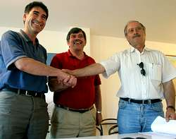 Sinatura do acordo no ano 2003