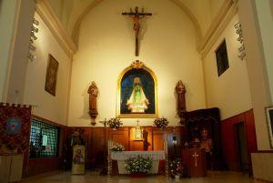 Interior del convento de las Capuchinas de Pinto. A la izquierda