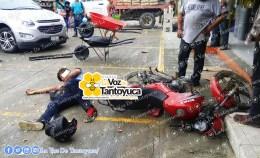 Encontronazo en la municipalizada deja a motociclista herido. Agencia LVDT.