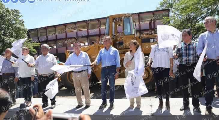 Autoridades locales y estatales, dieron el banderazo de inicio de obras de infraestructura agrícola FISE 2017. Agencia LVDT.