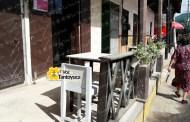 Ocupa Cafés Coatepec banqueta pública en Tantoyuca; exigen desalojo