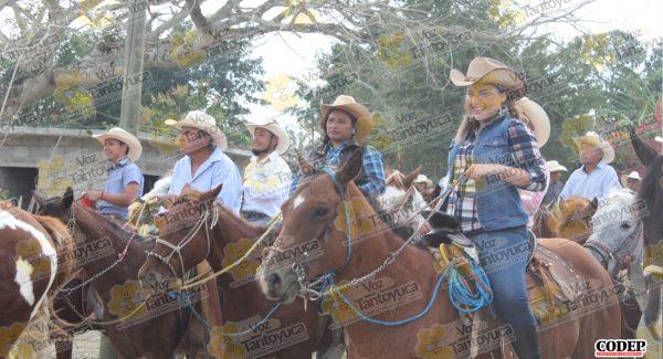 Encabeza Pedro Adrián Martínez tradicional cabalgata en honor a San Juan Bosco, en El Paso | LVDT