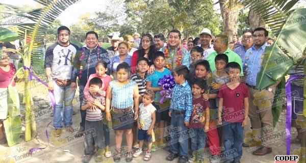 Inaugura alcalde de Chicontepec rehabilitación de camino rural   LVDT