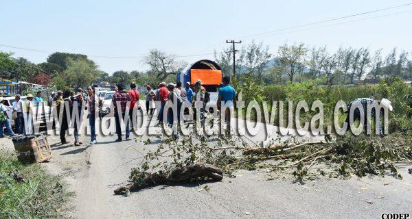Comuneros bloquean nuevamente la carretera; ahora en San Sebastián | LVDT