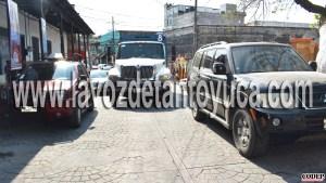 Titular del ICATVER ocasiona trafico vehicular, en la zona centro   LVDT