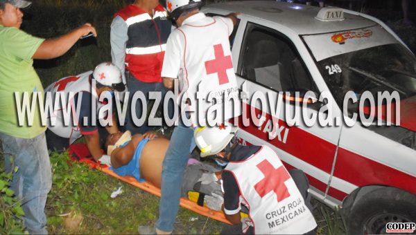 Paramédicos de la Cruz Roja trasladó al taxista lesionado al nosocomio local | LVDT