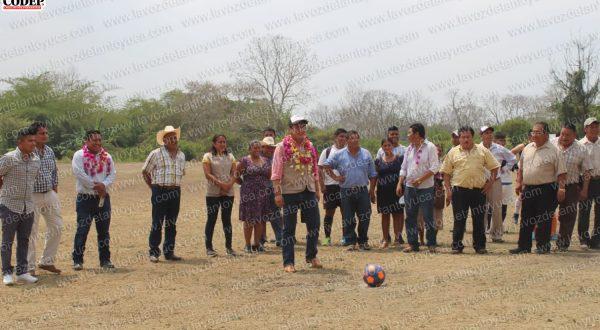 Inauguran campo de futbol en Rancho Nuevo Tlacolula | LVDT
