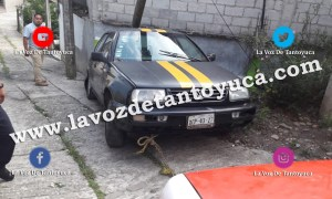 Destroza poste de TELMEX con su vehículo | LVDT
