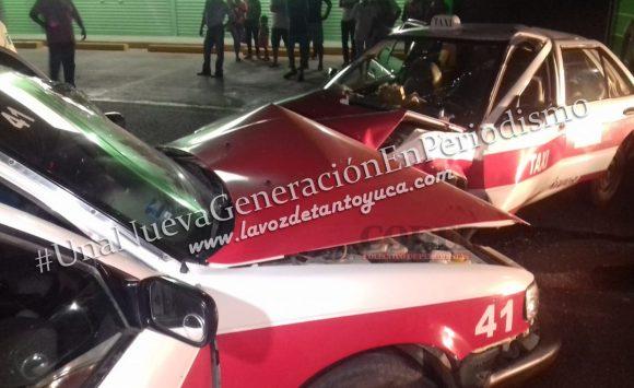 Taxista invade carril y provoca aparatoso accidente; un lesionado | LVDT