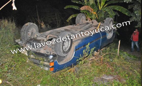 Ganadero resulta lesionado tras aparatosa volcadura, en Tantoyuca   LVDT