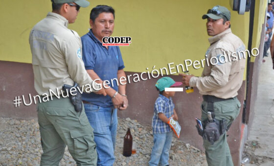 Detienen a taxista en Tantoyuca; tomaba con su menor hijo al interior de un bar | LVDT
