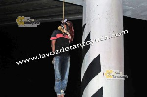 Cuelgan cuerpo sobre la autopista Acayucan-Cosoleacaque | Red Social