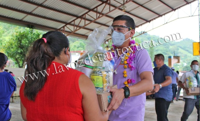 Alcalde continúa acercado apoyos alimenticios a familias chicontepecanas   LVDT