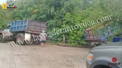 Camión materialista deja sin luz a vecinos de la Poza Azul | LVDT