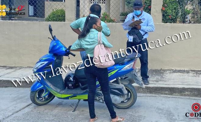 Infraccionan a motociclistas por no portar el casco de seguridad   LVDT