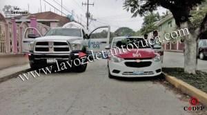 Daña taxi tras abrir la puerta sin precaución | LVDT