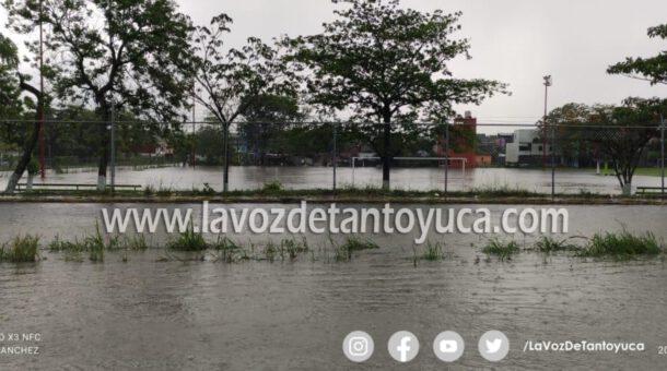 Tormenta deja daños e inundaciones en Huejutla