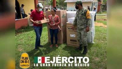 El Ejército Mexicano despliega tres cocinas comunitarias a Chiapas, Jalisco y Yucatán.