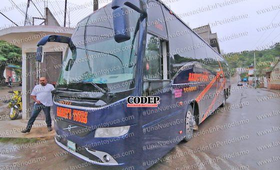 Chofer de autobús provoca percance e intenta darse a la fuga, en Tantoyuca | LVDT