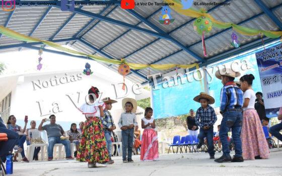 Entrega Amado Guzmán techado cívico en preescolar de la Colonia Morelos   LVDT