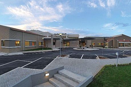 Κέντρο Υγείας Λαυρίου: Επίσκεψη Ευεργέτου Πρίφτη στα Τοπικά Ιατρεία Κερατέας