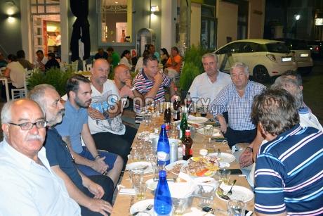 Φωτο. Από την ενημερωτική συνάντηση της νέας διοίκησης με τους δημοσιογράφους στις 24/8/2016 σε ταβέρνα της Κερατέας.