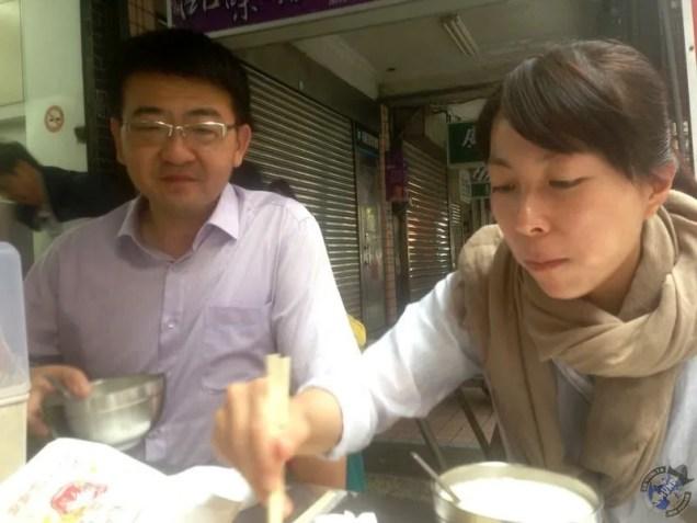 Iván y Sally durante el desayuno