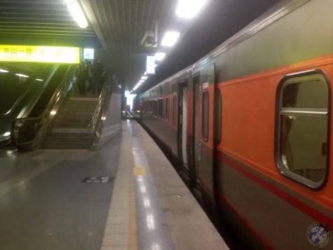 Tren destino Tainan