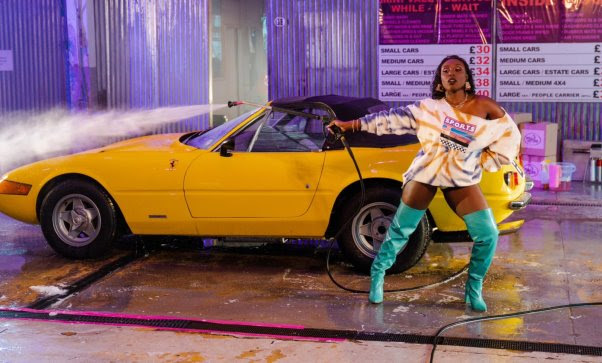 Laura Mvula Blasts Pink Noise